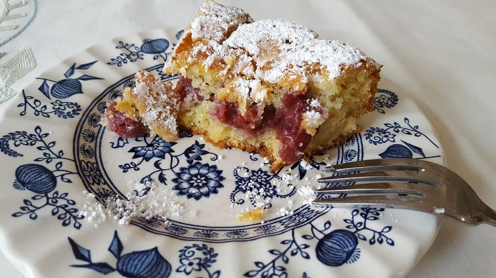german sour cherry cake